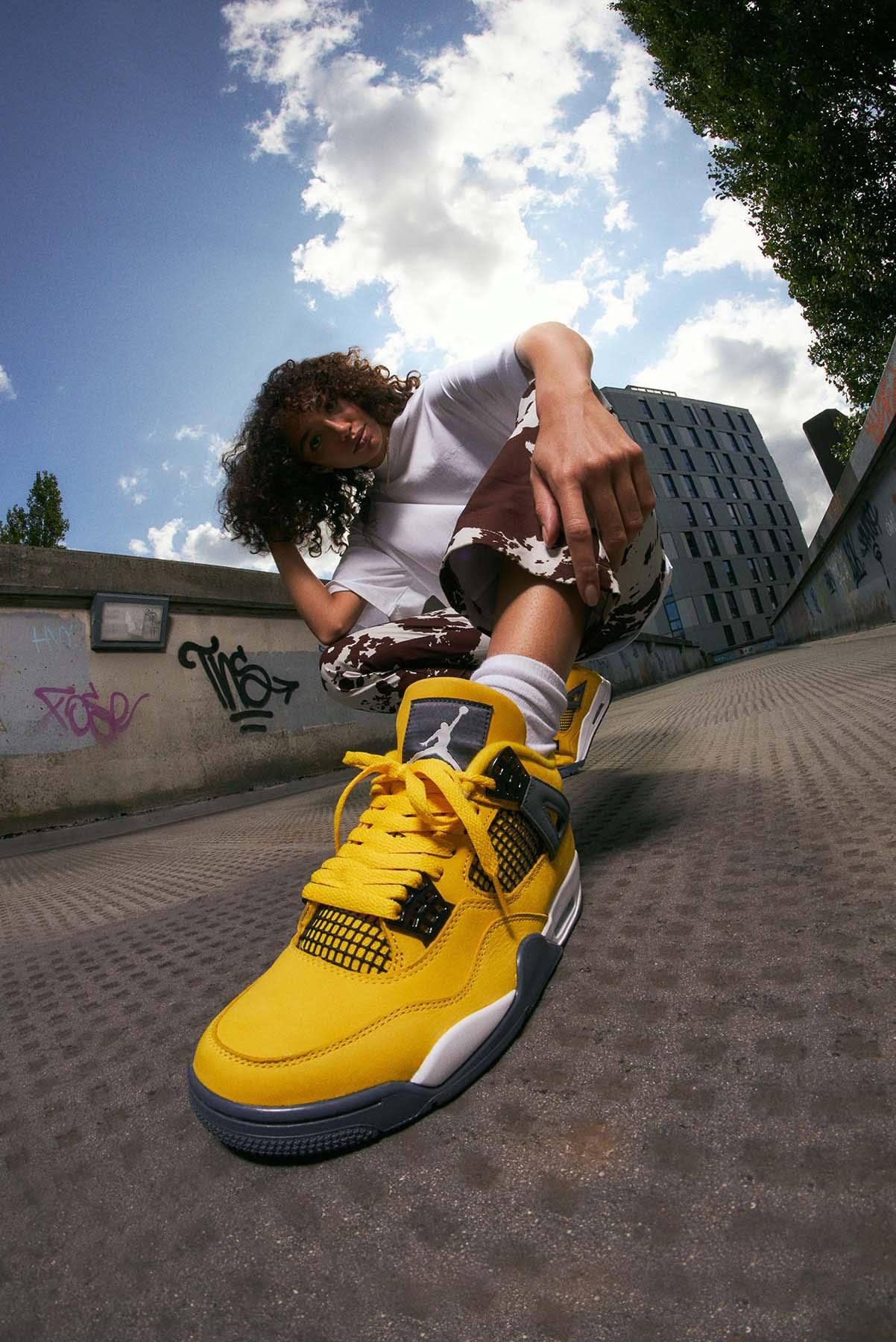 "Air Jordan 4 Retro ""Lightning""  - CT8527-700"