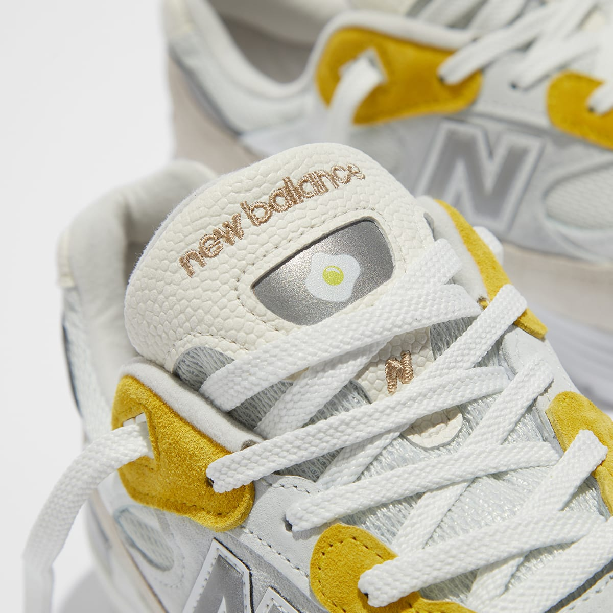 "New Balance x Paperboy 992 ""Egg"" - M992PB1"