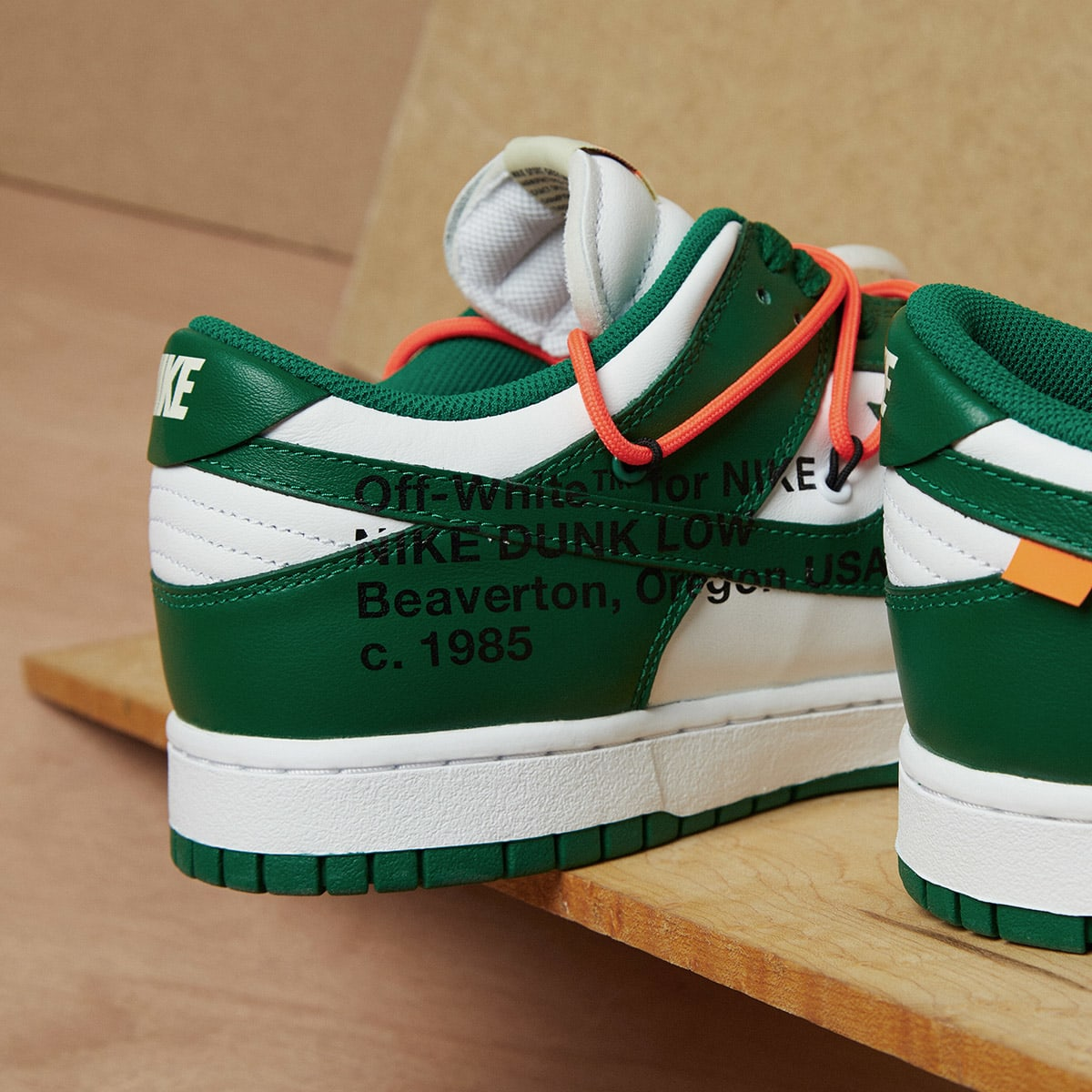 Nike x Off-White Dunk Low - CT0856-100