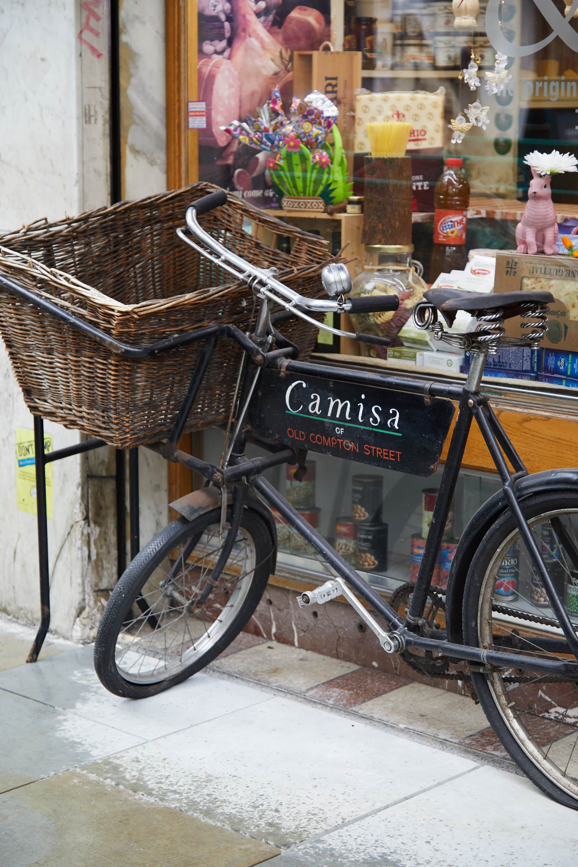 END. London City Guide: Camisa Deli Soho