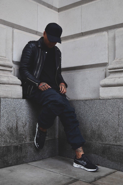 Ste Wing of Visionarism wearing the Visionarism x ASICS TIGER - Hyper GEL-LYTE in black