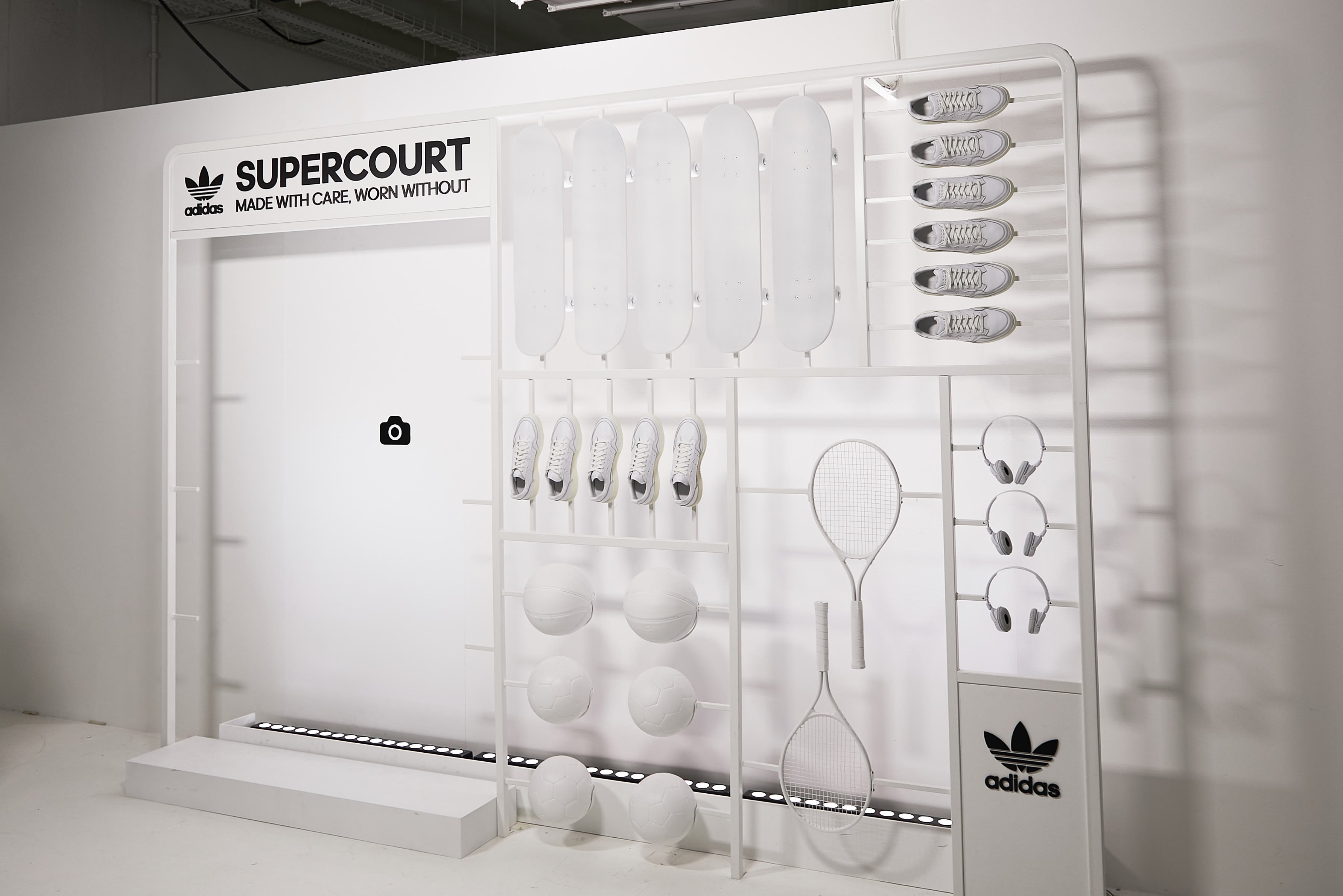 Presuntuoso Concessione Delicatamente  END. Features | Here's What Happened at the adidas Home of Classics Event  in Paris