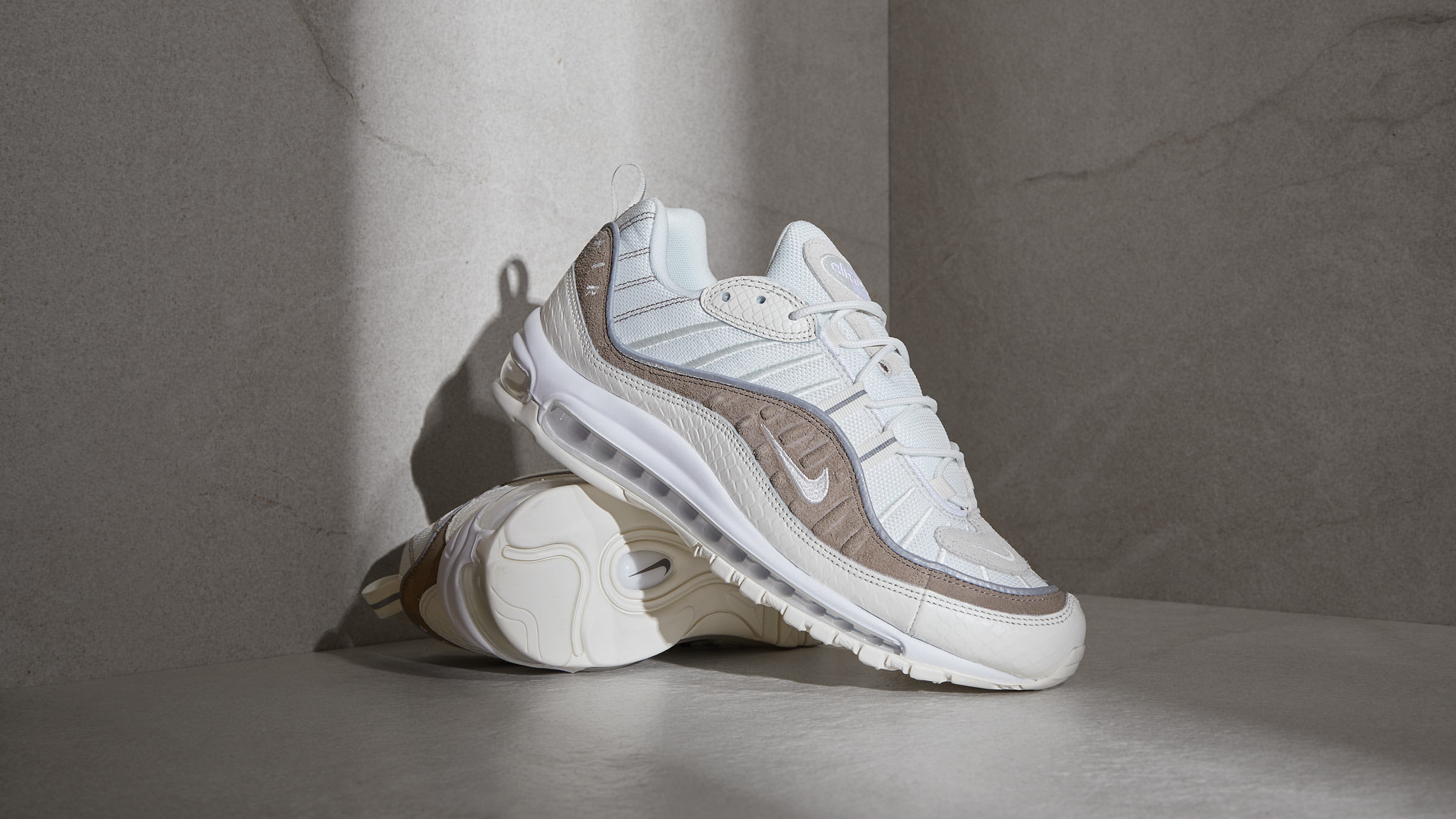 Fangoso entregar Interesante  END. Features | Nike Air Max 98 'Exotic Skins' - Register Now on END.  Launches
