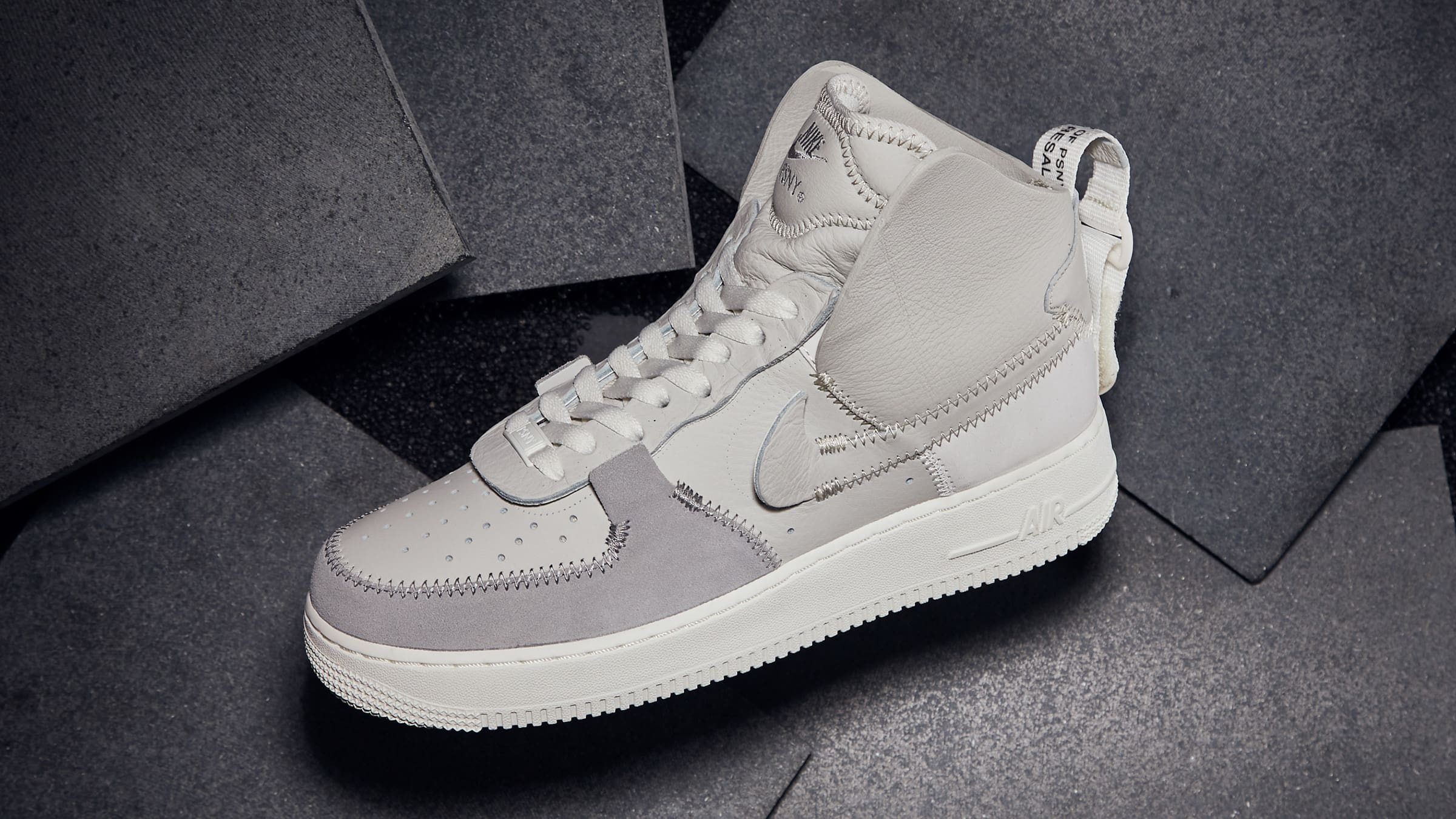 END. Features Nike AF1 PSNY Registrer dig nu END.  Nike AF1 PSNY Register Now on END. Launches