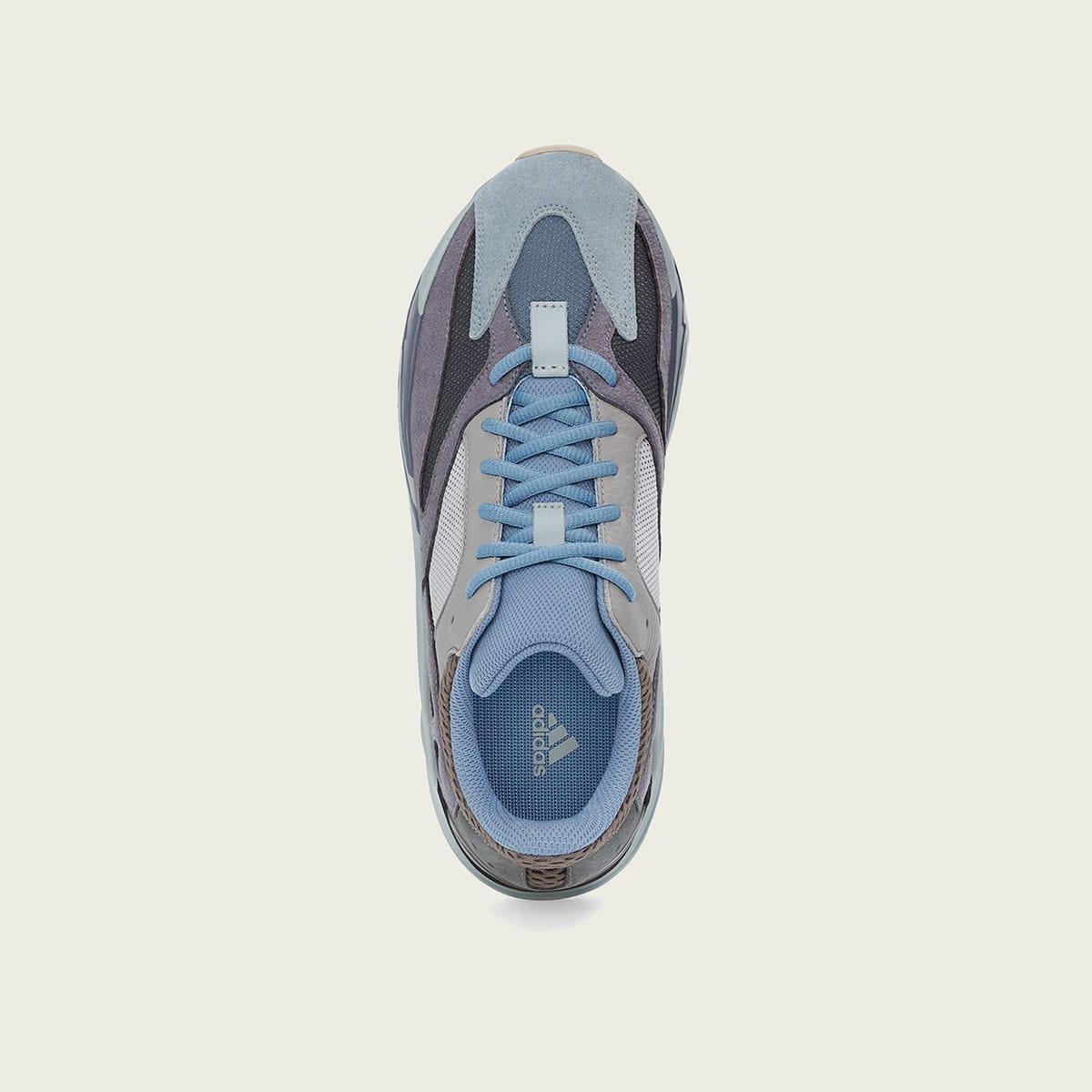 adidas yeezy boost 700 bleu