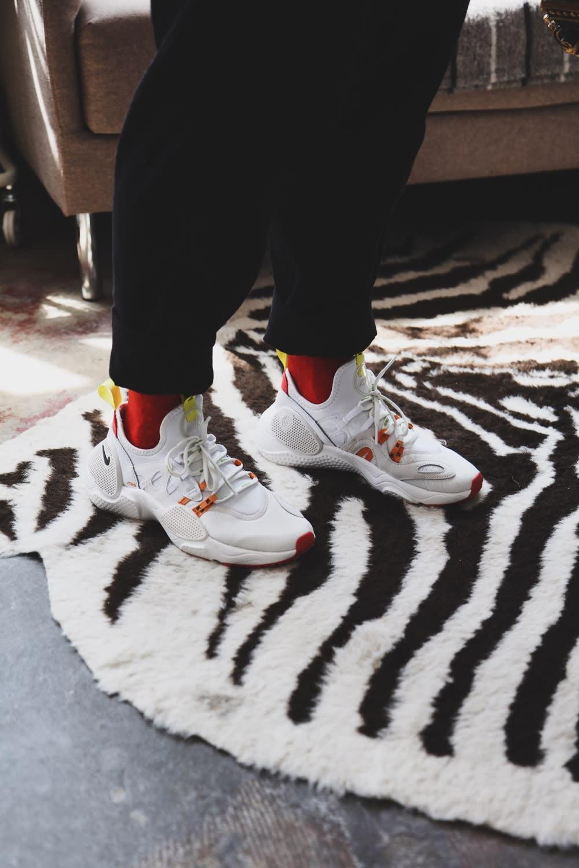 Maisie Williams wearing Heron Preston sneakers