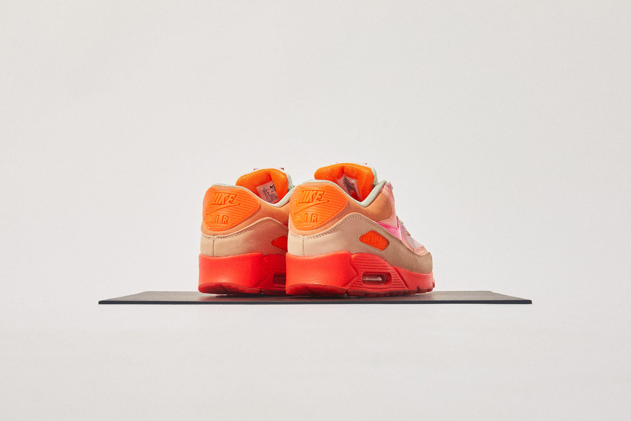 END. Features | Nike Air Max 90 W Register Now on END
