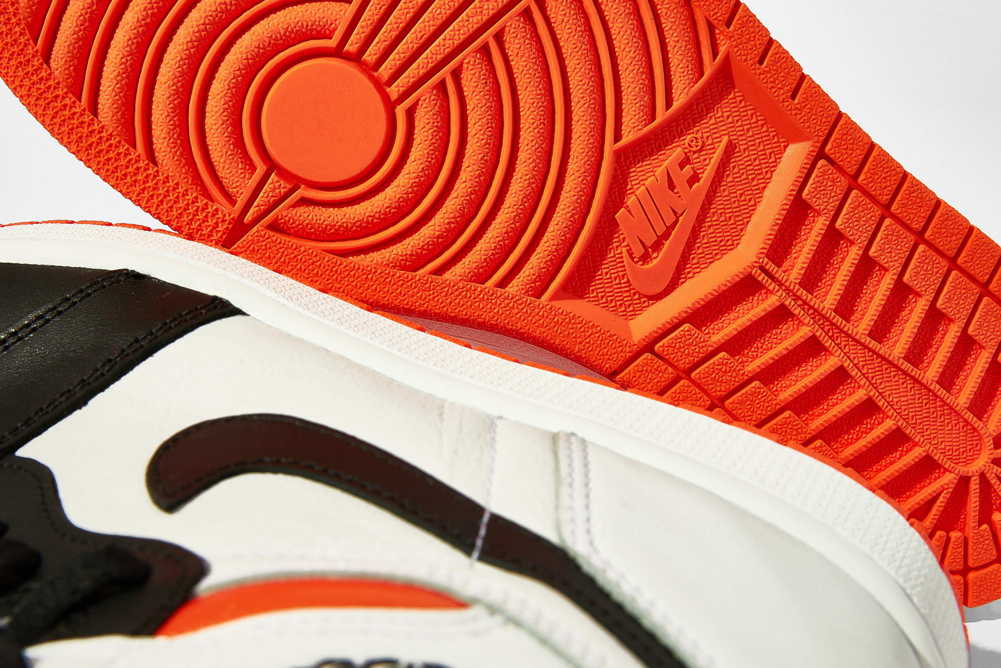 "Air Jordan 1 Retro High OG ""Electro Orange"" - 555088-180"