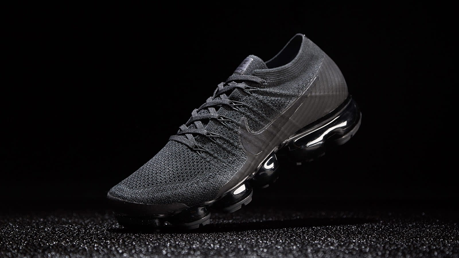 San Francisco 16836 13209 END. Features | Nike Air Vapormax Flyknit 'Triple Noir ...