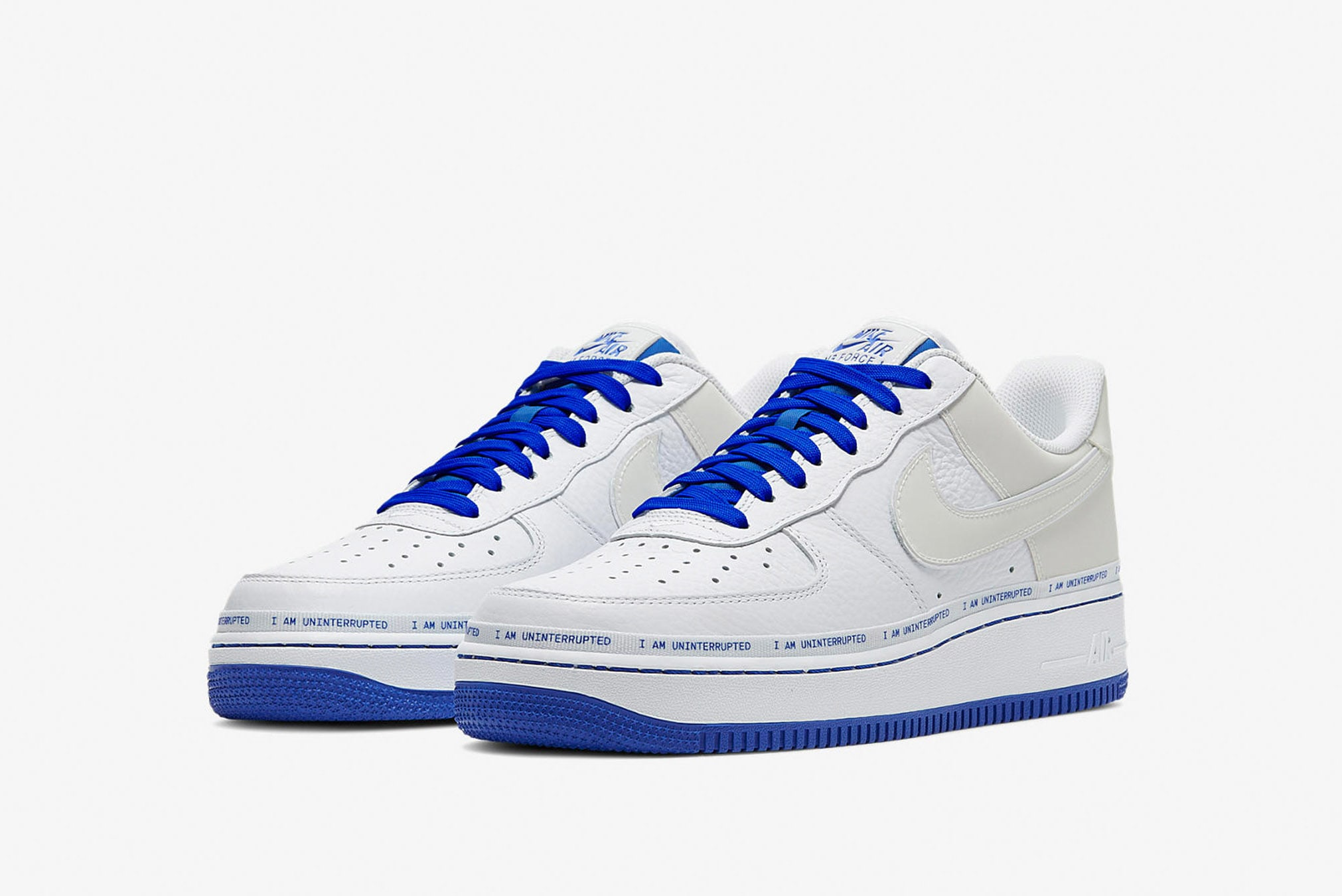white NIKE AIR Force 1 | Walk into the world en 2019