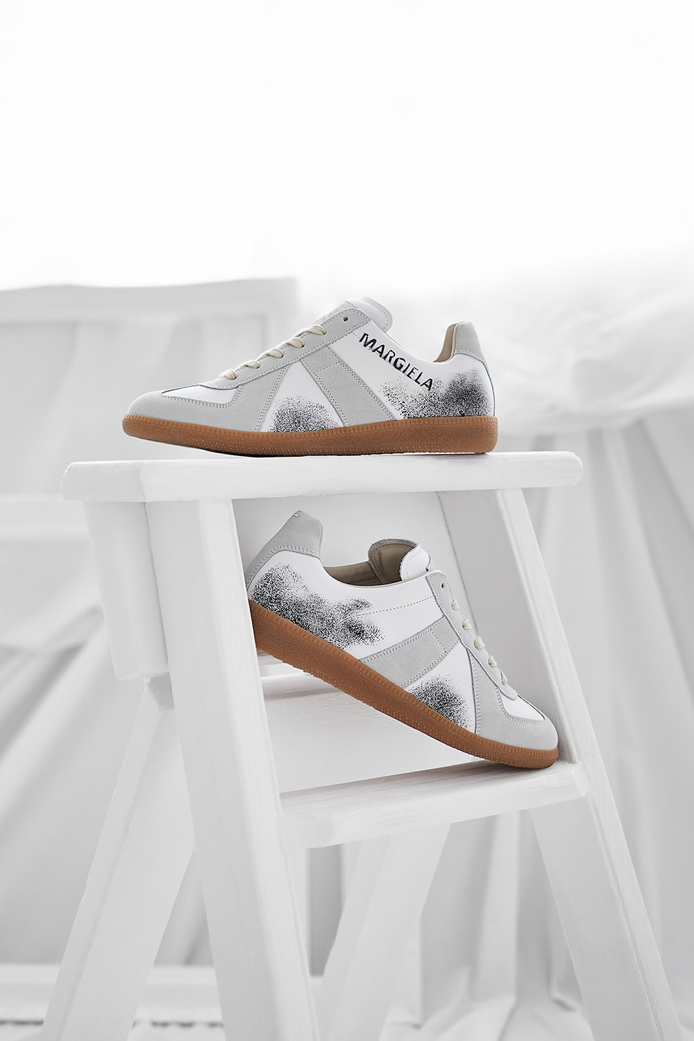 Maison Margiela Replica 22 Graffiti Sneaker END. Exclusive - S57WS0236-P2803-H4108
