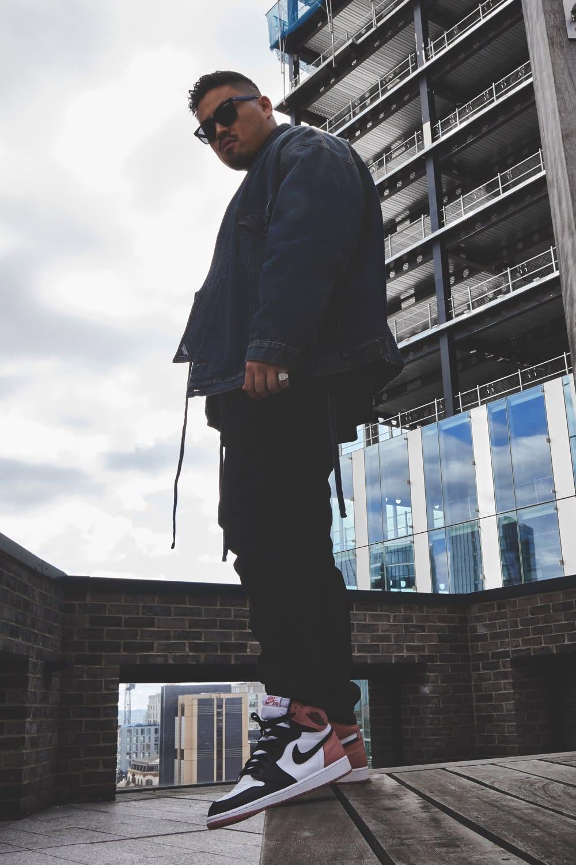 Thierry Tek of Visionarism wearing Nike Air Jordan 1 'Rust Pink' Miami Art Basel Style Code: 861428-101