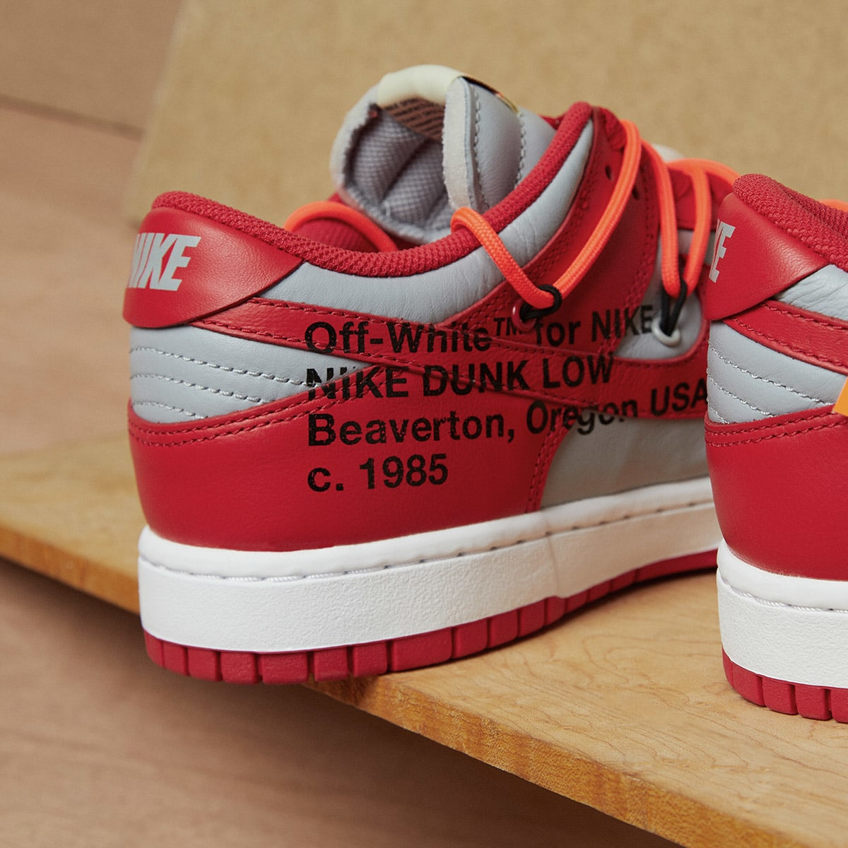 Nike x Off-White Dunk Low - CT0856-600