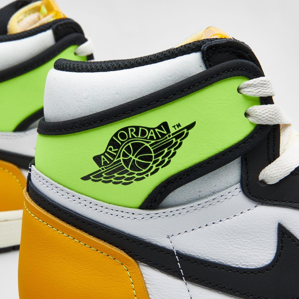 """Air Jordan 1 Retro High OG """"Volt Gold"""" - 555088-118"""
