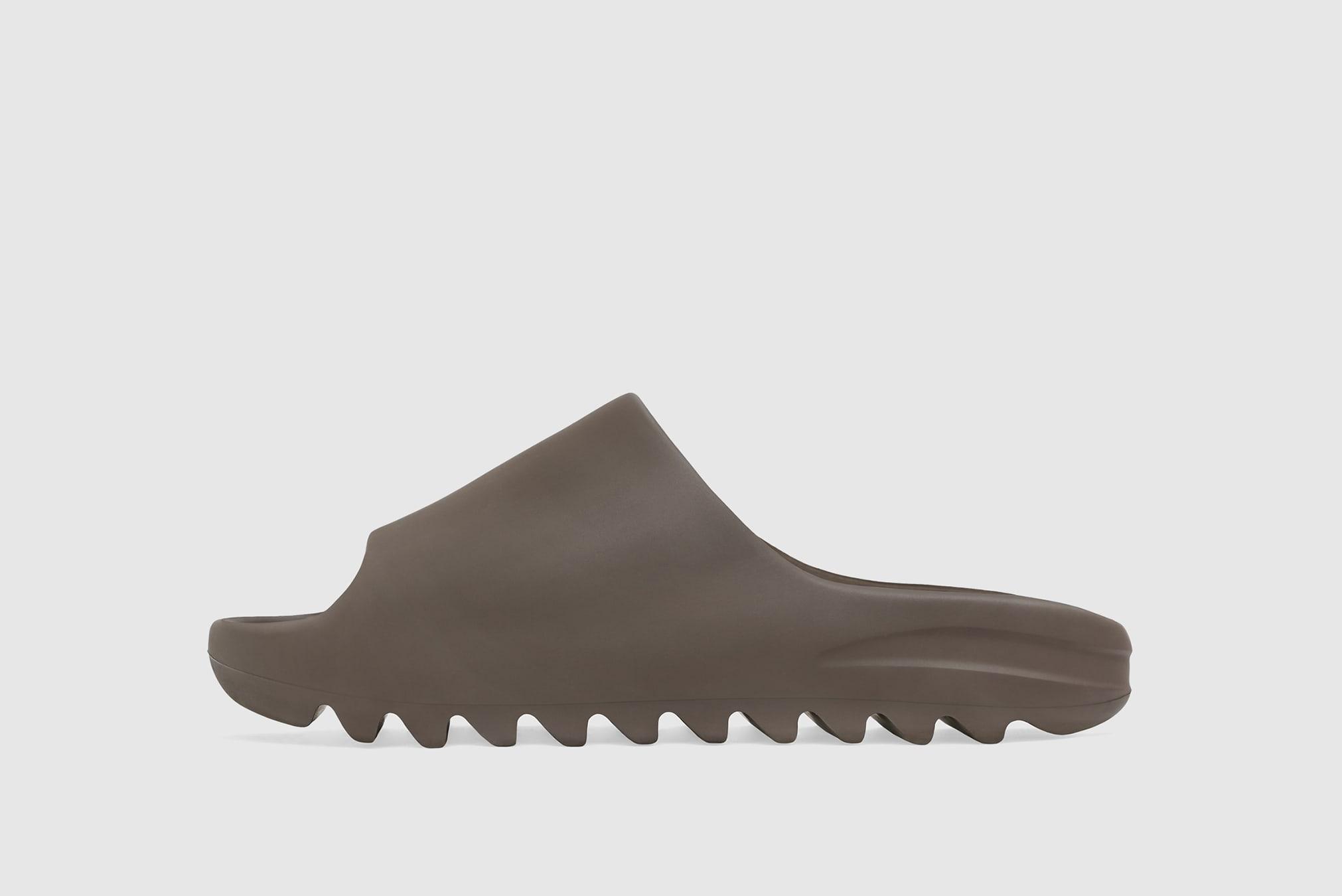 YEEZY Slide Soot - G55495