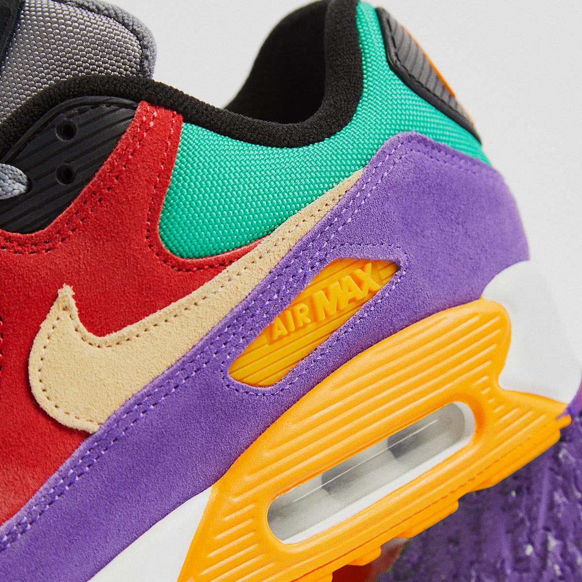 END. Features | Nike Air Max 90 QS Viotech Register Now on