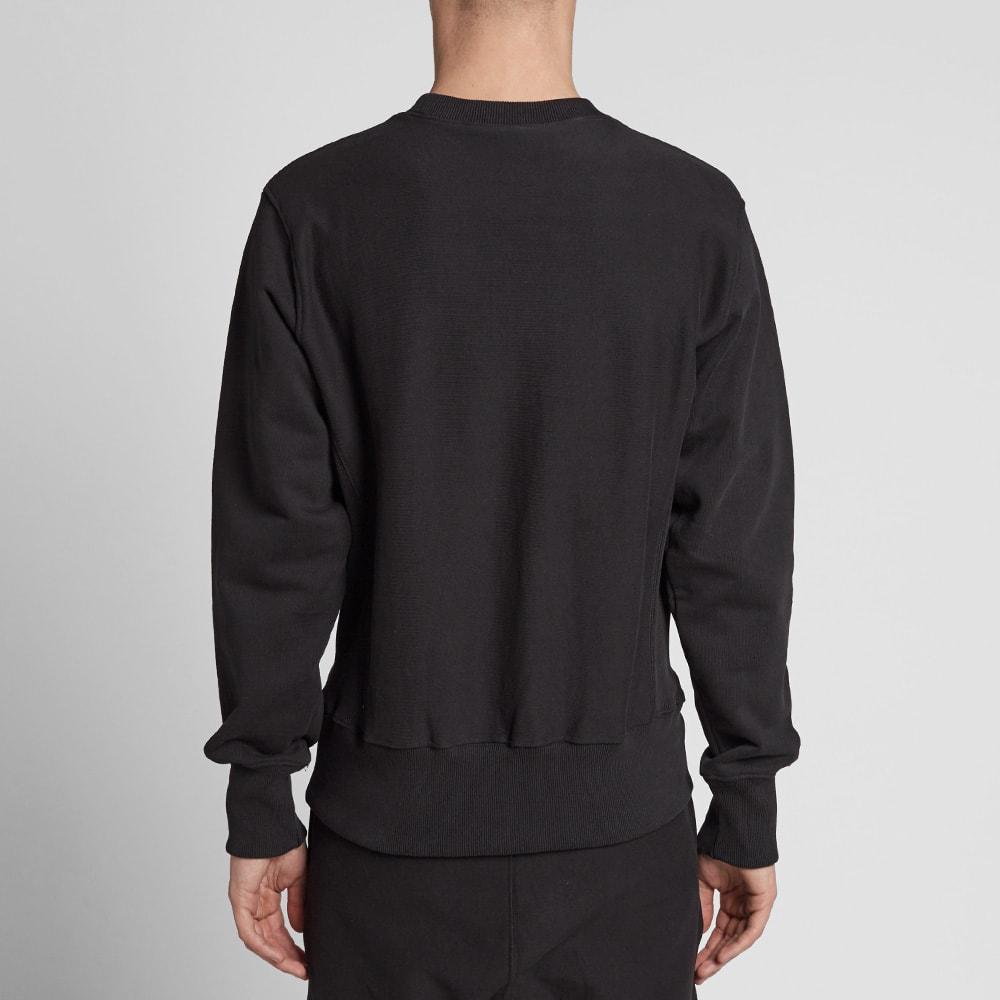 champion reverse weave script logo crew sweat black. Black Bedroom Furniture Sets. Home Design Ideas