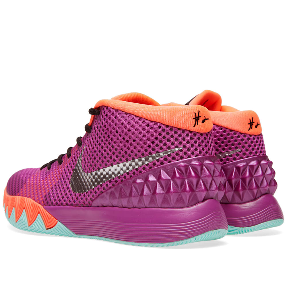 half off 7a800 4d0f9 Nike Kyrie 1 'Easter'