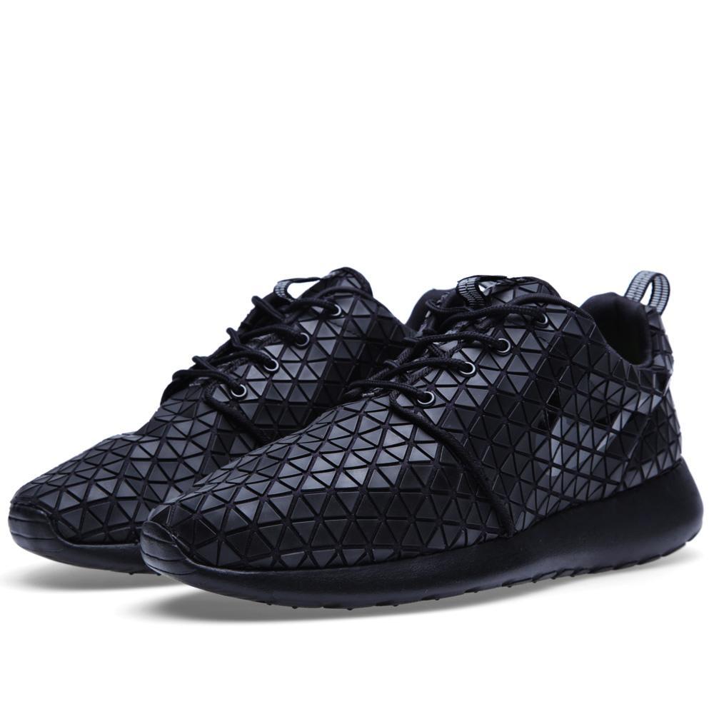 51416b4e02e21 Nike Roshe Run Metric QS Black