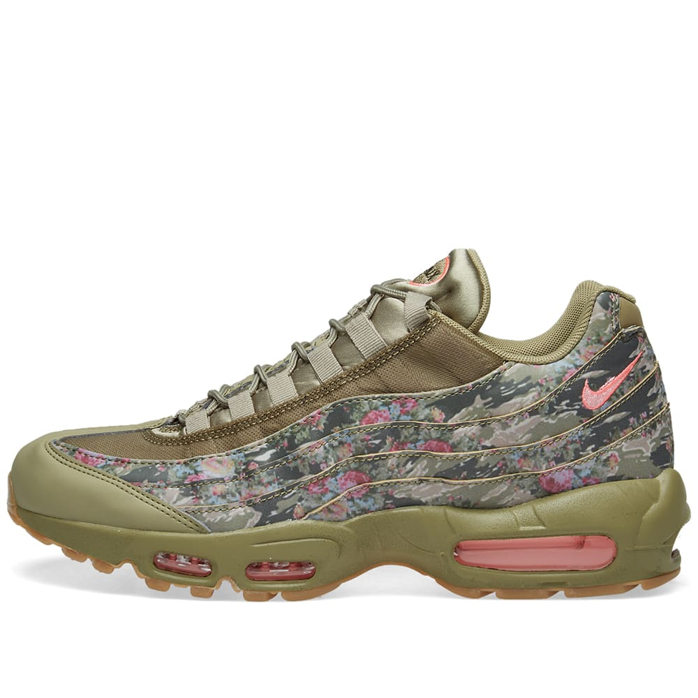 buy popular 10613 256ef Nike Air Max 95 W Neutral Olive   Arctic Punch   END.