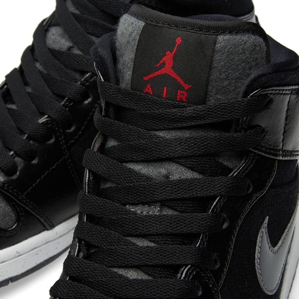 84ff999c7d83 Nike Air Jordan 1 Mid Winterized Black