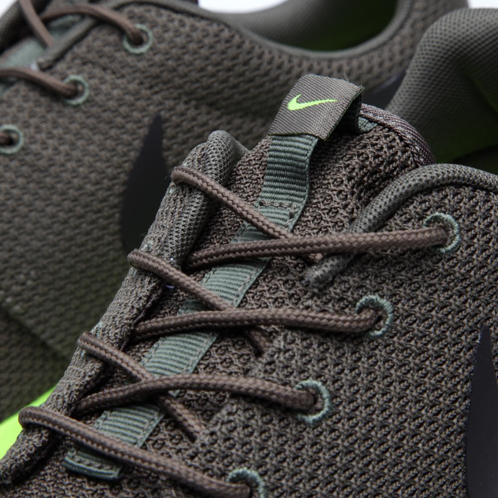 569f65d4f939 Nike Rosherun. Tarp Green   Deep Smoke
