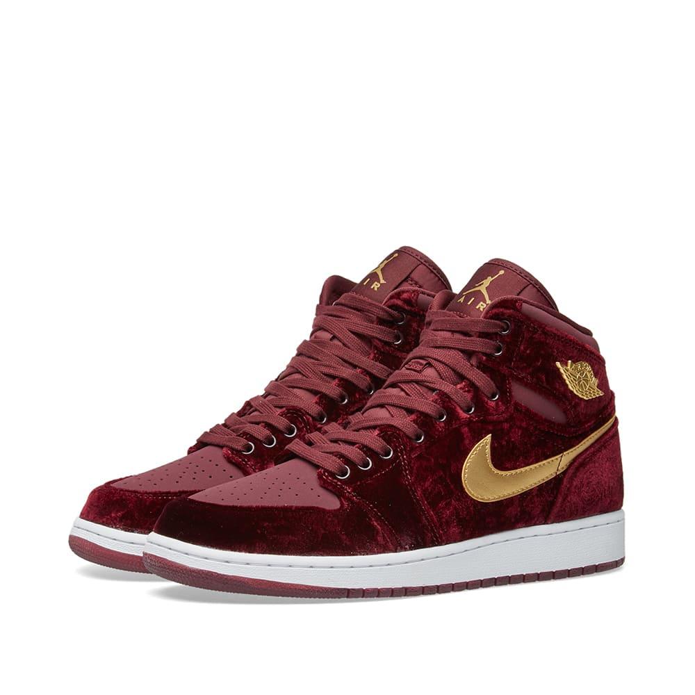 best service 49141 0a908 Nike Air Jordan 1 Retro Premium GG