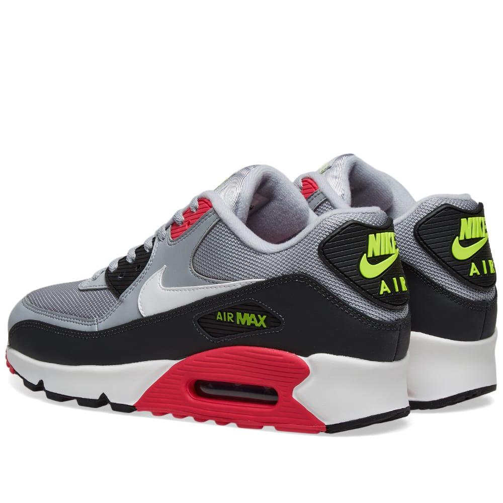 reputable site 7577f 632b1 Nike Air Max 90 Essential
