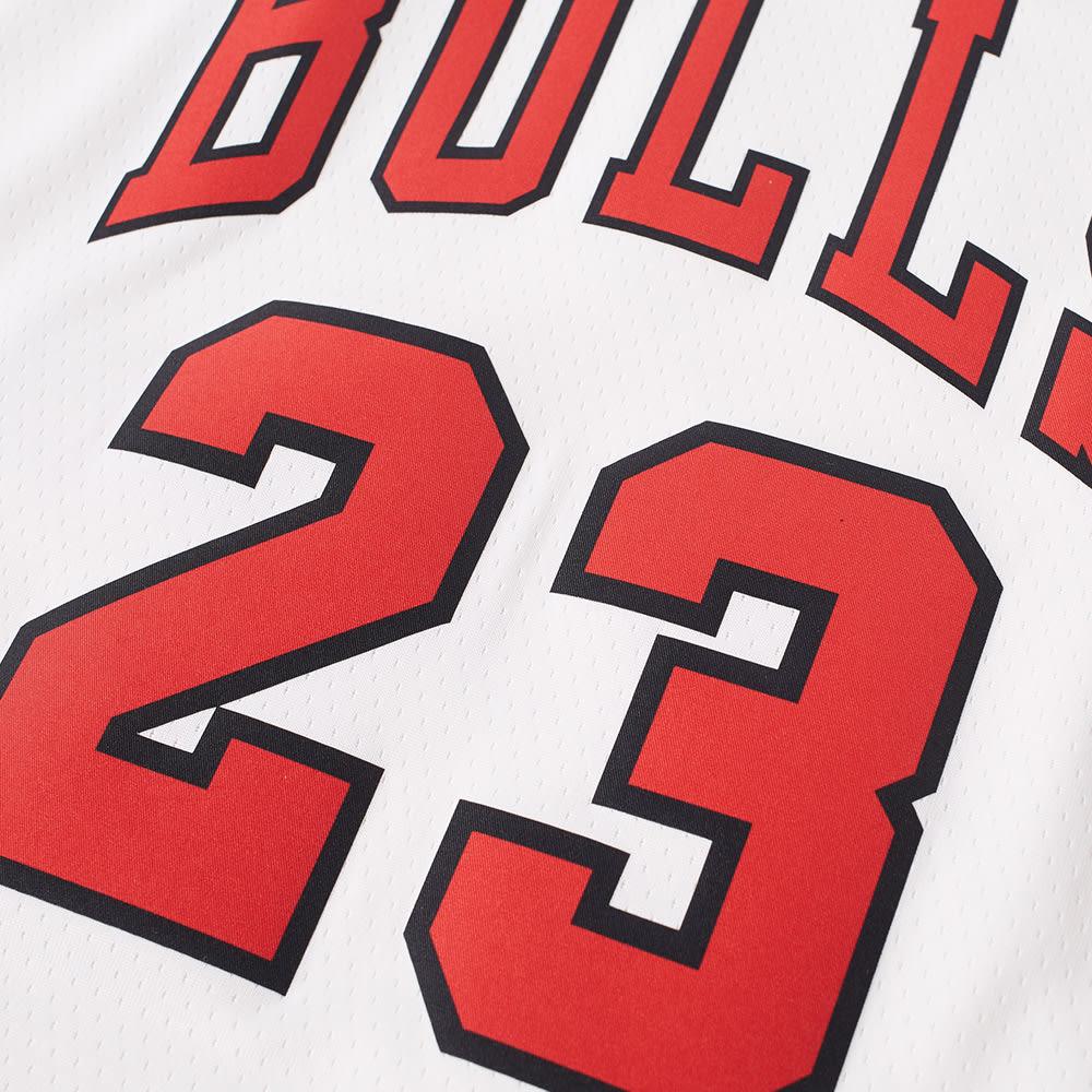 e356ae84dc83 Nike Michael Jordan Chicago Bulls Swingman Jersey White
