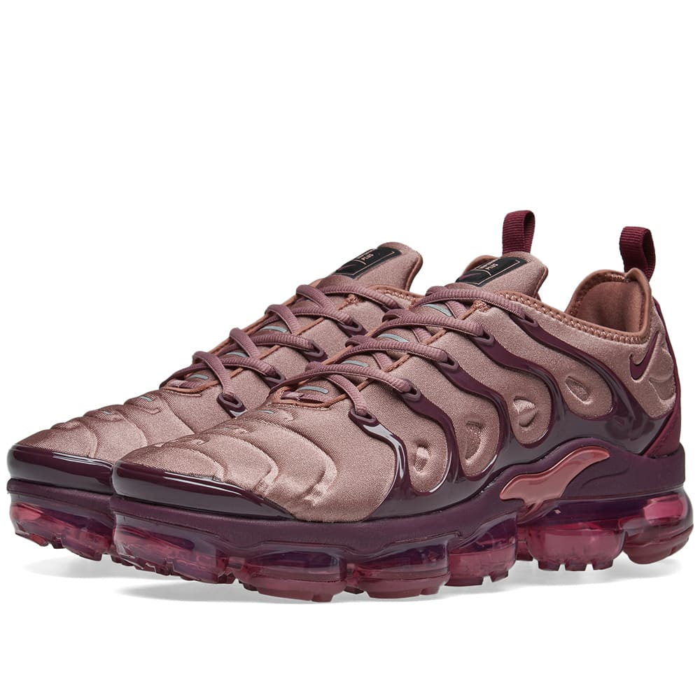 WOMEN'S AIR VAPORMAX PLUS CASUAL SHOES, PURPLE