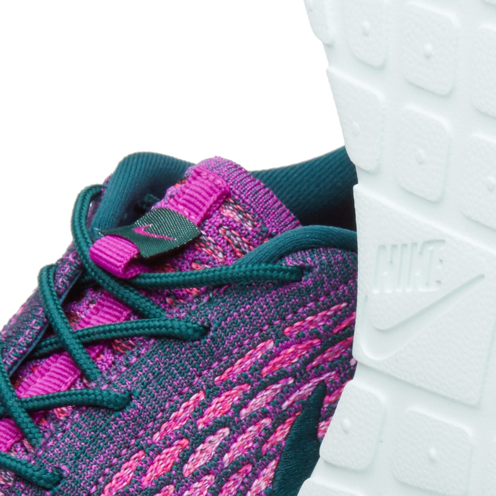 separation shoes ee667 1a4b1 Nike W Roshe One Flyknit
