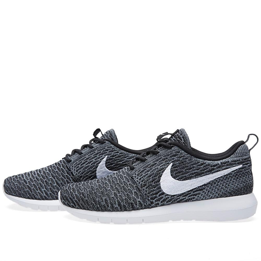 e64b071ccc76d Nike Flyknit Roshe Run Black