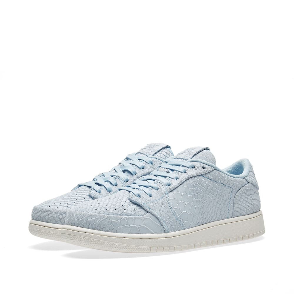 decc210cdc3e Nike Air Jordan 1 Retro Low GS Ice Blue   Sail