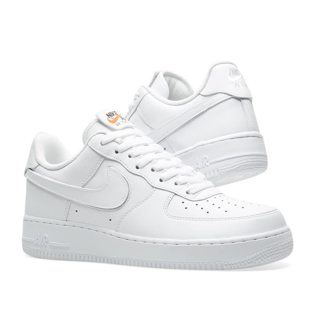 online store 00b2d b27ab Nike Air Force 1  07 QS. White