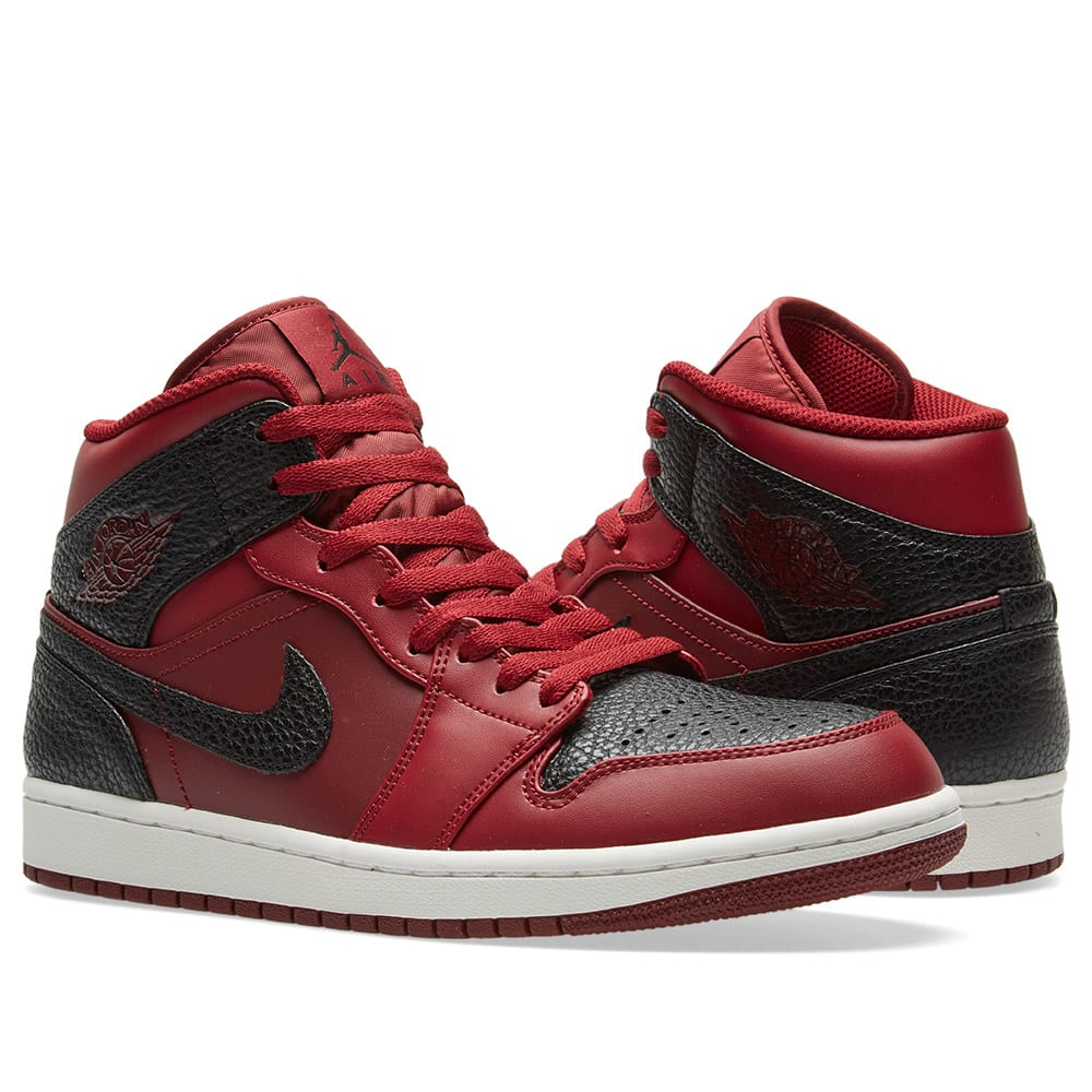 4c74796ea021 Nike Air Jordan 1 Mid Team Red