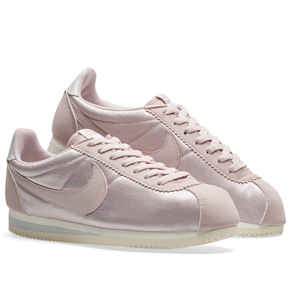 on sale 44c8e ccdc0 Nike Classic Cortez Nylon W. Particle Rose ...