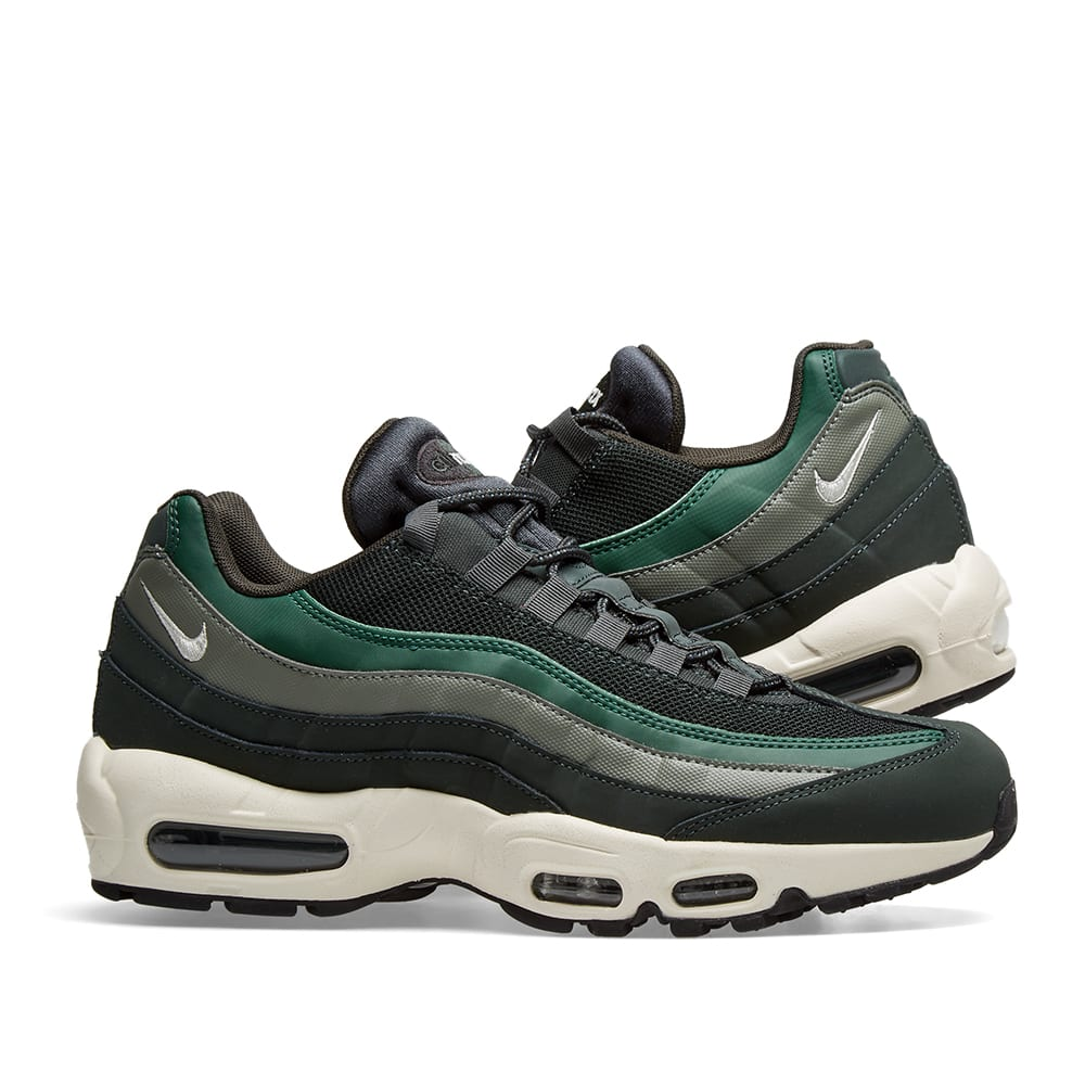 huge selection of 98259 bcfdb Nike Air Max 95 Essential. Outdoor Green, Sail ...
