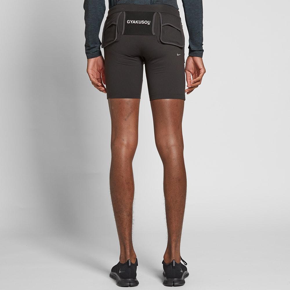 nike shorts tight