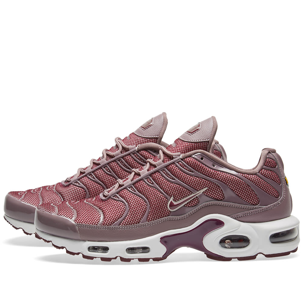57d22eda0 Nike Air Max Plus W Taupe Grey, Bordeaux & Red | END.