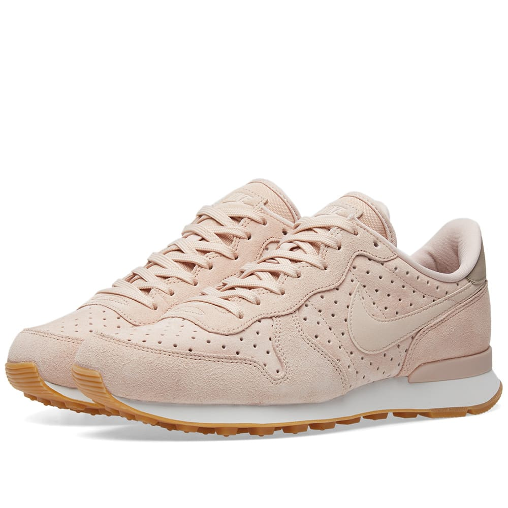 new concept bbee7 0d5ae Nike Internationalist Premium W Particle Beige   END.