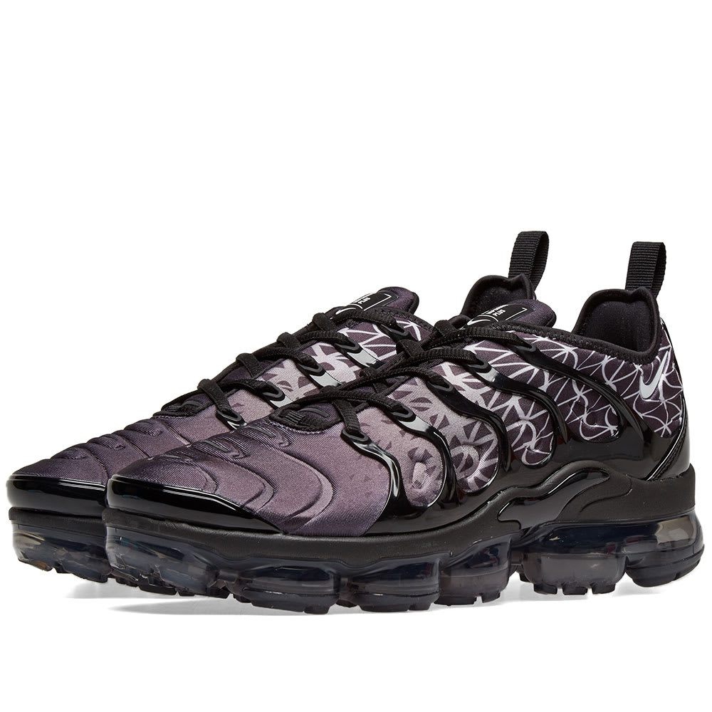 huge discount 695fd 0034c Nike Air VaporMax Plus Black   White   END.