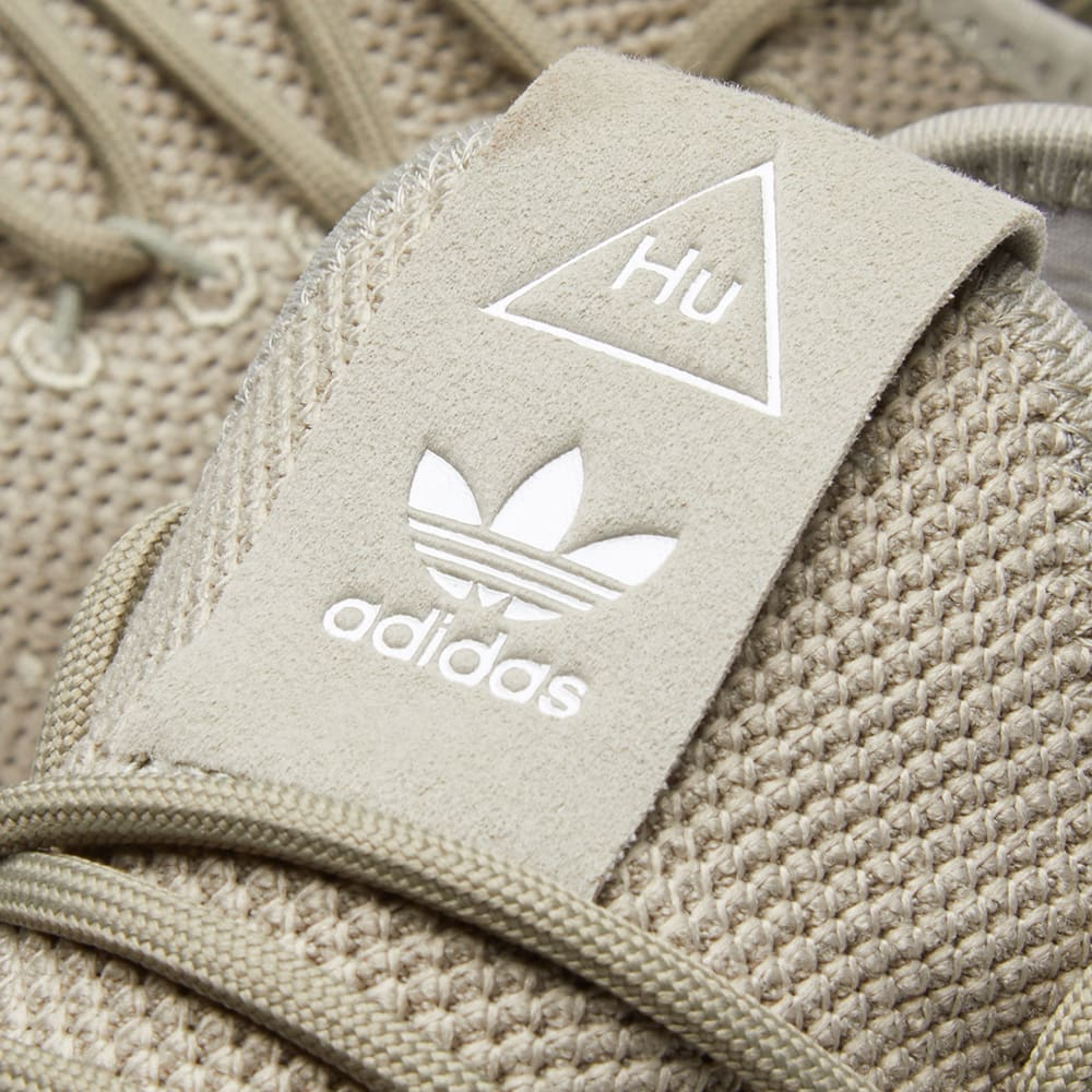699073fd4c3c5 Adidas x Pharrell Williams Tennis Hu Tech Beige   Chalk White