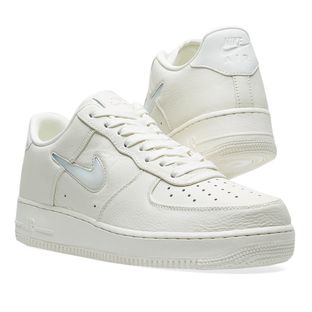 6857109595 NikeLab Air Force 1 Mid Vachetta Tan & White | END.