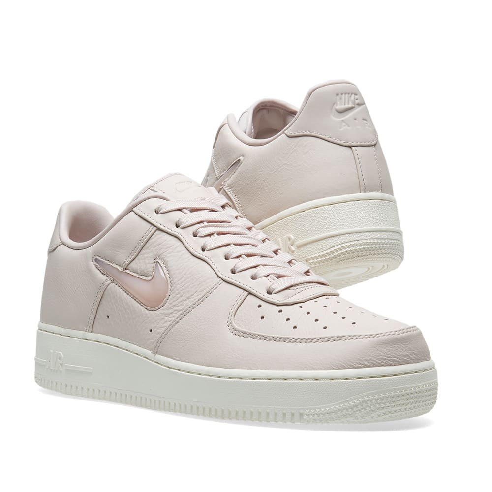 finest selection e7fc8 5086d Nike Air Force 1 Premium Retro  Jewel