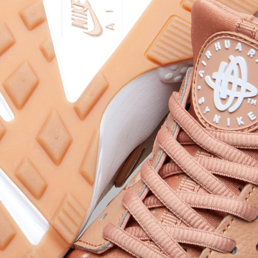 new concept 09622 f394d Nike W Air Huarache Run. Dusted Clay   White