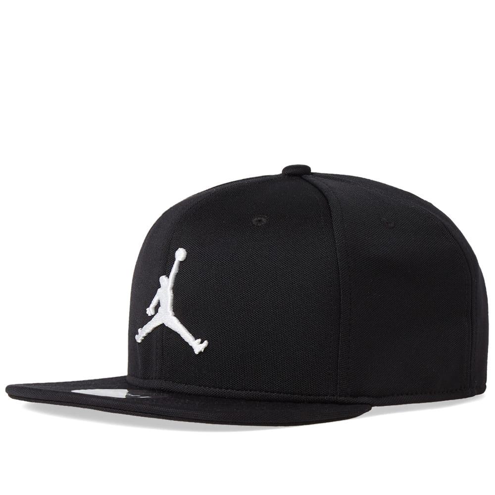 39c856f315112c Nike Jordan Jumpman Snapback Cap Black   White