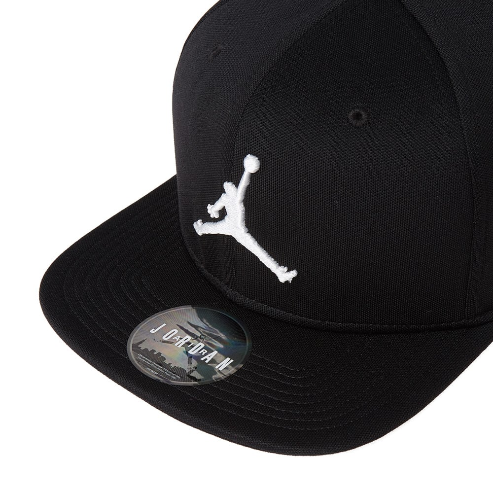 d9bf58db4e136 Nike Jordan Jumpman Snapback Cap Black & White | END.