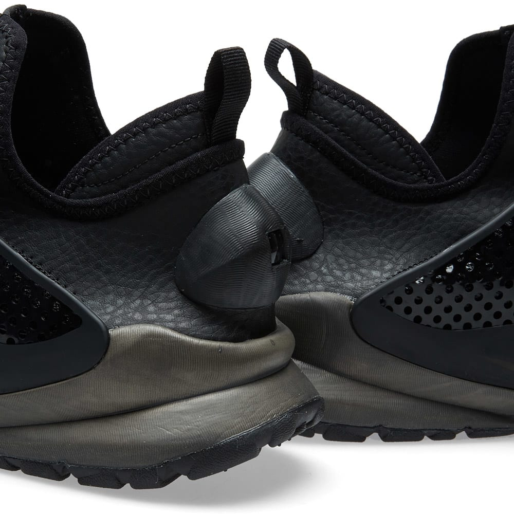 Nike x Stone Island Sock Dart Mid