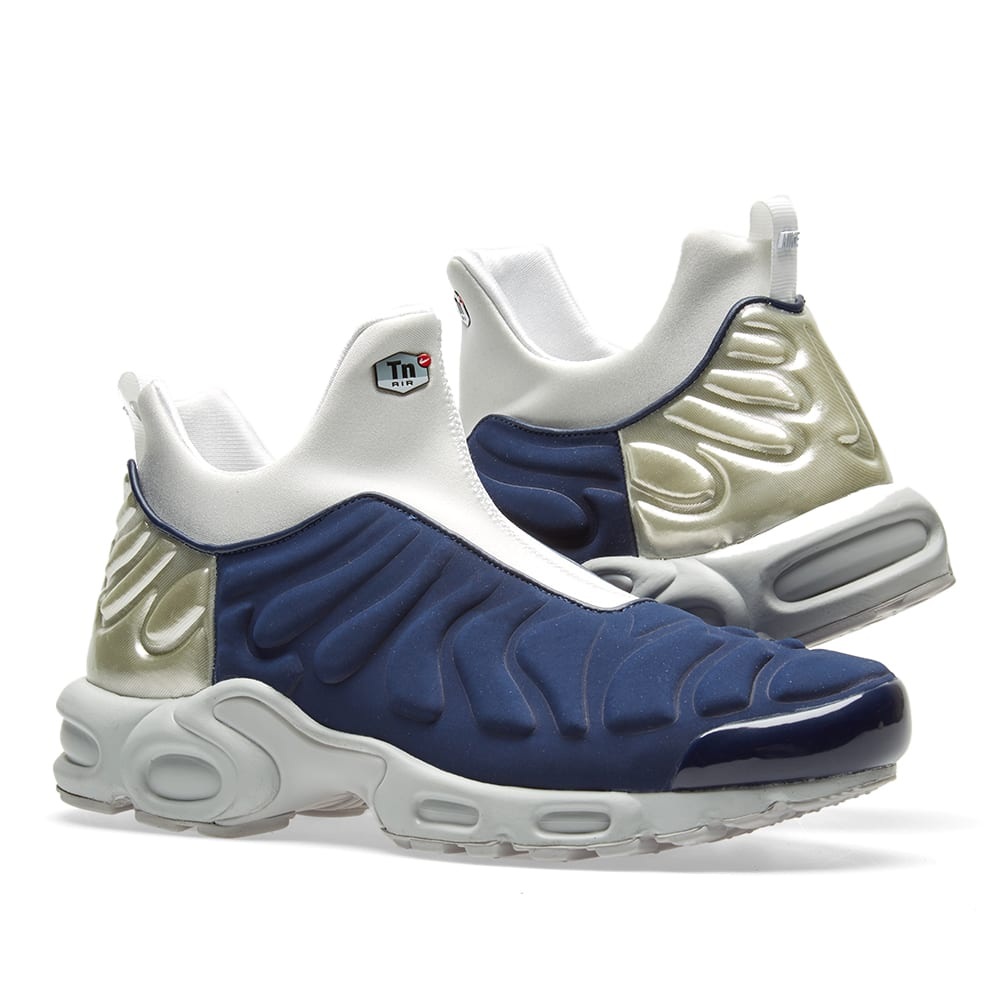 new product 6c4a4 b5701 Nike W Air Max Plus Slip SP. Midnight Navy   Silver
