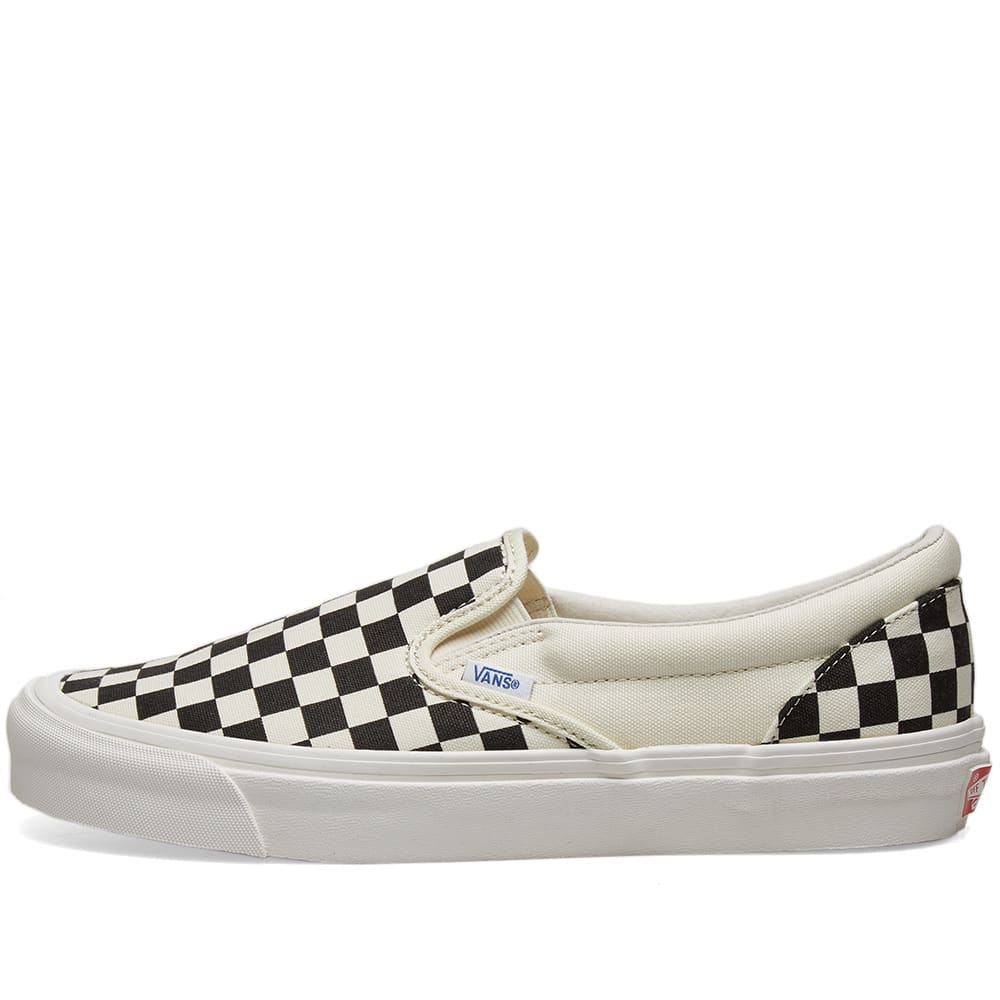 vans white black checkered